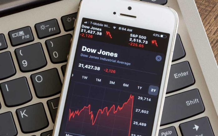 Experts Worried About Double-Dip Recession